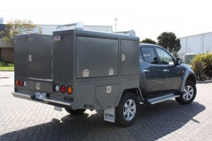 f-utility-1800-triton-rear-1425532766