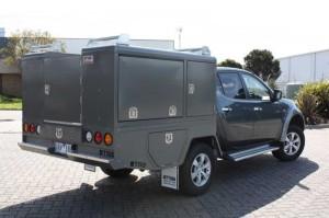 f-utility-1800-triton-rear-1425532807