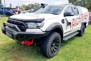 front facing ford raptor with service body